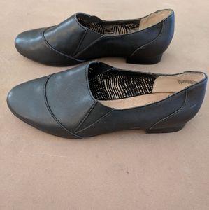 Seychelles Women's Slip on Shoes. Size 7.5